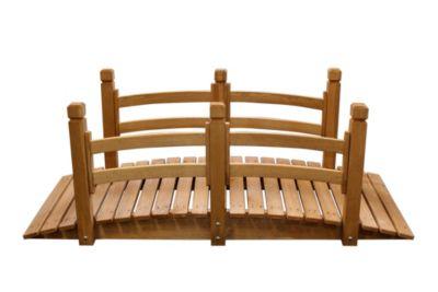 Holzbrücke mit Geländer