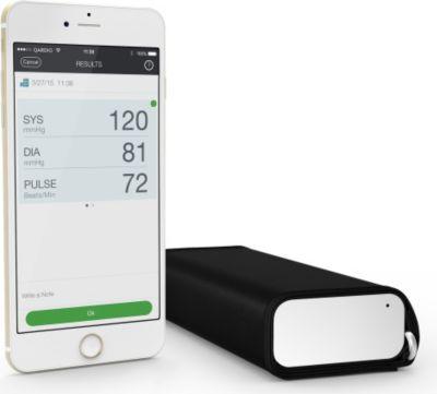 Plus QardioArm - Wireless Blood Pressure Monitor - Arctic White
