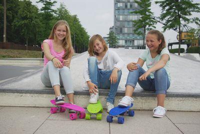 hudora-skateboard-sky-blue-retroboard