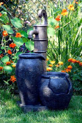 Dobar  96200e Design-Gartenbrunnen mit Handpumpe