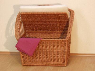 Sitz-/Wäschetruhe ohne Kissen