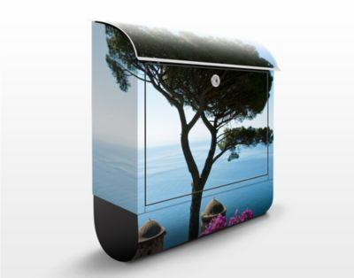Design Briefkasten Ausblick vom Garten aufs Mee...