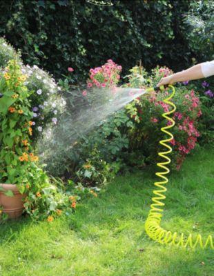 1PLUS  Premium Spiral-Gartenschlauch 10 m & regulierbarer Wassersprühkopf & umfangreiches Zubehör-Set, grün / gelb