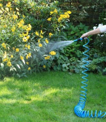 1PLUS  Premium Spiral-Gartenschlauch 10 m & regulierbarer Wassersprühkopf & umfangreiches Zubehör-Set, blau