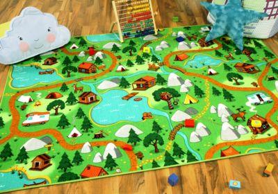 kinder-spiel-teppich-campingplatz-100x100-cm