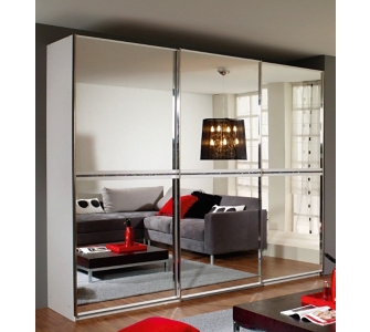 rauch sonstige rauch schwebet renschrank mit spiegel und strasssteinen. Black Bedroom Furniture Sets. Home Design Ideas