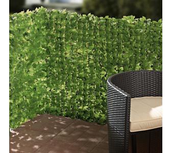 sch ner sichtschutz gestaltungselement pflanzkasten mit spalier gartenxxl ratgeber. Black Bedroom Furniture Sets. Home Design Ideas