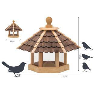 Dobar Futterhaus mit lasierten dunklen Holzschindeln und Futterpyramide